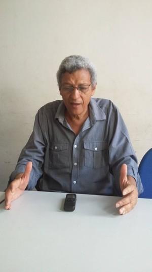"""""""Defendemos eleições gerais com novas regras, e não vai ser naquele parlamento de Cunhas e afins que isso será votado"""", afirmou o candidato. Foto: Eduardo Sá/Fazendo Media."""