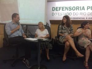 """""""Pude fazer um estudo sobre a coerência umbilical entre os editoriais e notícias divulgados pelo O Globo e as estratégias adotadas pela Prefeitura"""", critica Alexandre Mendes."""