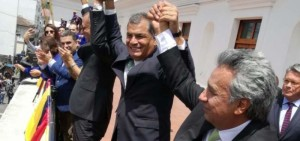 Rafael Correa, ao lado de Jorge Glas (vice-presidente reeleito) e Lenín Moreno (Foto: jornal El Telégrafo)